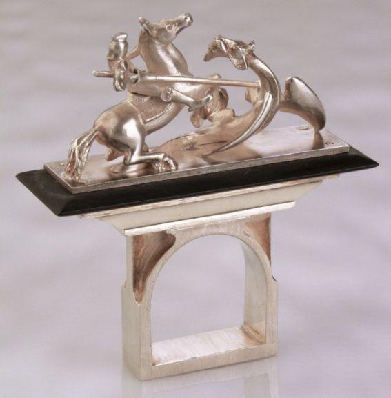 Sárkányölő Szent György-öt és a sárkányt ábrázoló gyűrű
