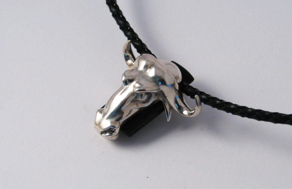 Bull nyaklánc