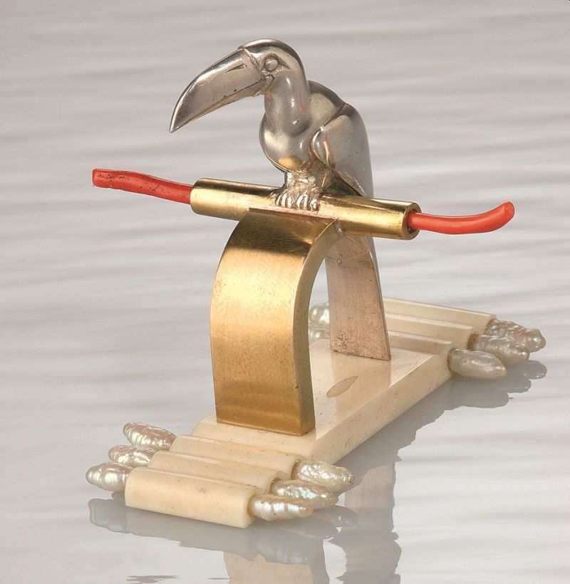 Ring Toucan